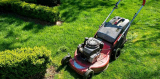 A Guide To Maintaining A Lawnmower