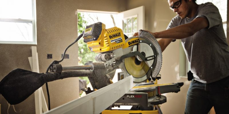 Top 10 Best Miter Saws of 2021 – Reviews