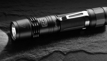 Top 8 Best Pocket Flashlights of 2020 – Reviews